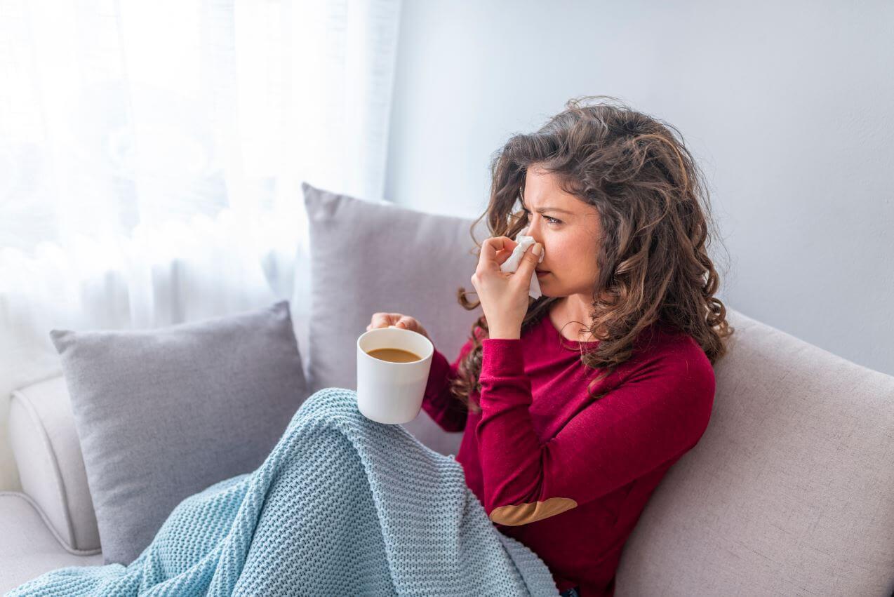 Entenda tudo sobre a vacina da gripe em 2021, quem deve tomar, quais são as doses, possíveis reações e relação com COVID-19.